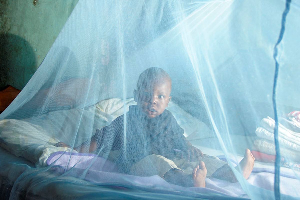 Kenia: moskitiery chronią przed ukąszeniami komarów roznoszących malarię.