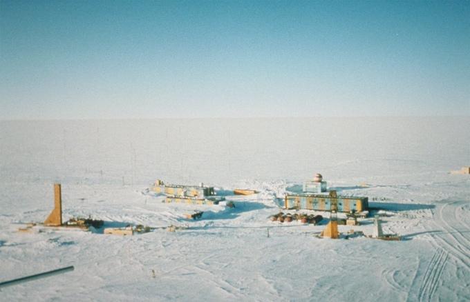 Rosyjska stacja antarktyczna Wostok.