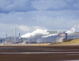 Zdjęcie: huta stali w Port Talbot.